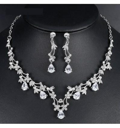 """Свадебный набор украшений """"Кристальные цветы"""""""