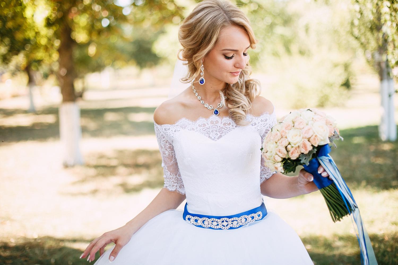 Серьги и колье для невесты